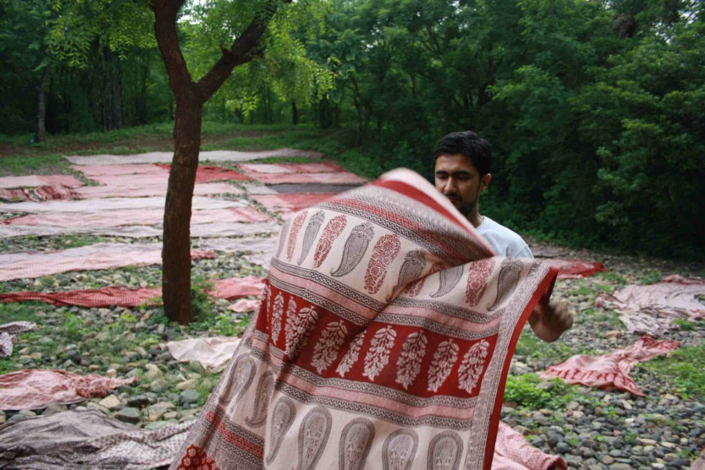 Bagh Print: How Khatris are keeping the 500-year craft alive along with MP's tribals , mohammad bilal khatri, madhya pradesh, bagh river, dhar district, hand block printing, chippa, 30 stades