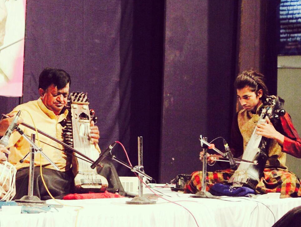 How Ustad Moinuddin Khan is keeping the rich legacy of sarangi alive, momin khan, Jaipur Gharana, Padma Shri maestro, Raj Kapoor, Bollywood, music, nusrat fateh ali khan, 30 stades