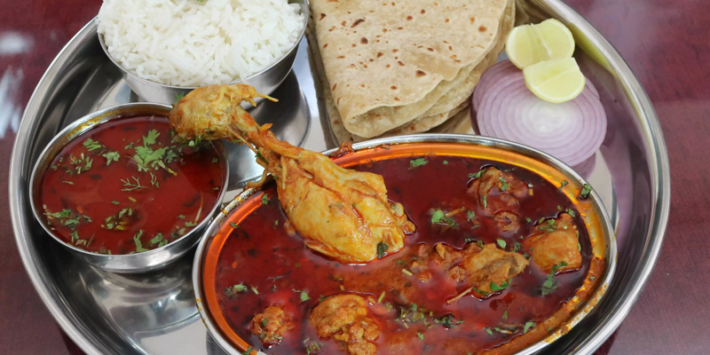 Khandeshi cuisine from north-western Maharashtra uses of small lavangi chillies besides khandeshi masala blend that gives a deep rich colour  and flavour to the dishes. 30 stades