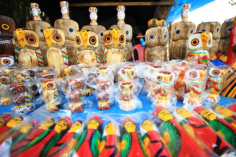 Bengal's Natungram: Craft village where wooden dolls come alive