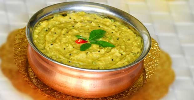 Yam or ol ki chutney is made by boiling and tempering yam, which is found in abundance in Bihar.