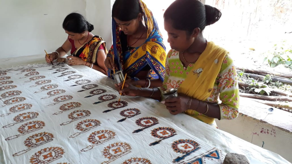 LifeCraft: empowering Jharkhand's Kuiani women through tie & dye 30stades