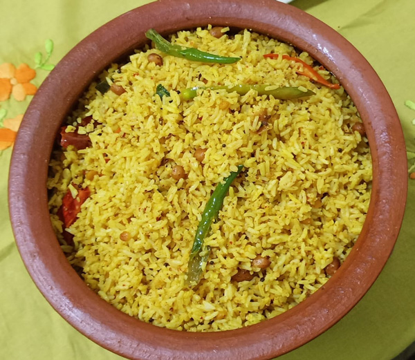 Pulihara (tamarind rice) is an integral part of Andhra Brahmin cuisine. Pic: Sumitra Kalapatapu