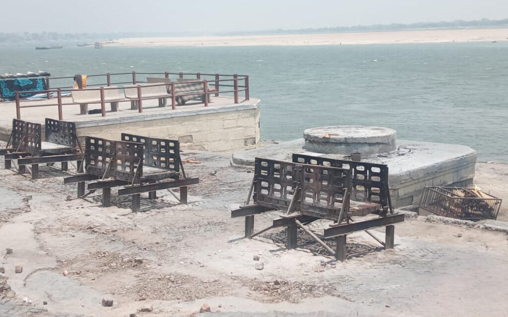 Funeral ghat in Varanasi turned empty for the first time in centuries as people did not visit the holy town for cremation amid the pandemic. Pic: Bahadur Choudhary