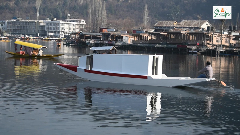The first-ever boat ambulance service will soon start on Dal Lake in Jammu and Kashmir. tariq ahmad patloo 30 stades covid