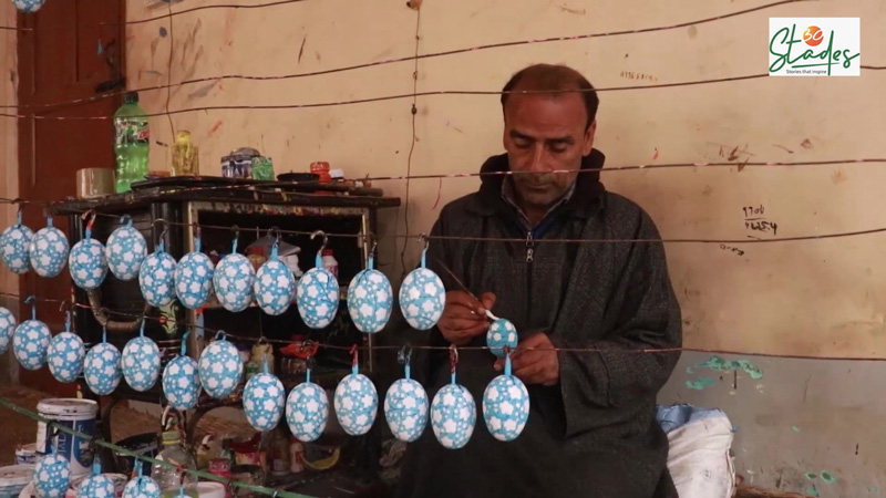 The artisans today are struggling due to zero sales amid COVID-19. Pic: Wasim Nabi