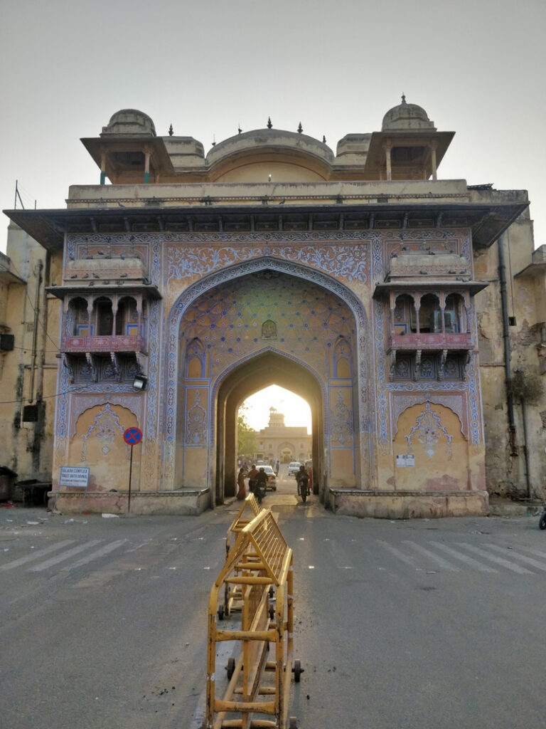 Dhundubi Pol from where the sounds of shehnai (clarinet) and dhol (drum) would announce the King's daily schedule. Pic: Jaipur Uncharted