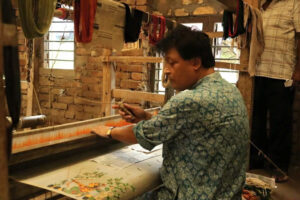 Biren Basak: The boy from East Pakistan who became India's handcrafted saree tycoon 30 stades
