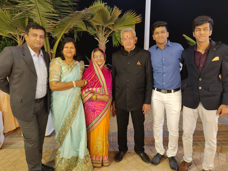 R L Daga with his wife, daughter and other family members. His daughter and grandsons look after processing of farm produce. Pic: courtesy R L Daga