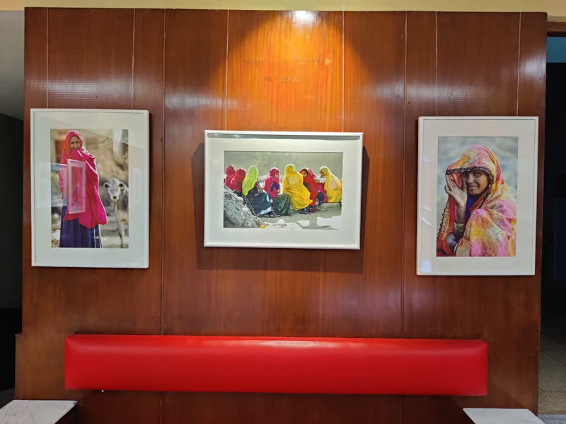 Sudhir Kasliwal's paintings at Gem. He has held solo exhibitions in Rome, Paris, Mexico, Tel Aviv & other cities. Pic: Urvashi Dev Rawal