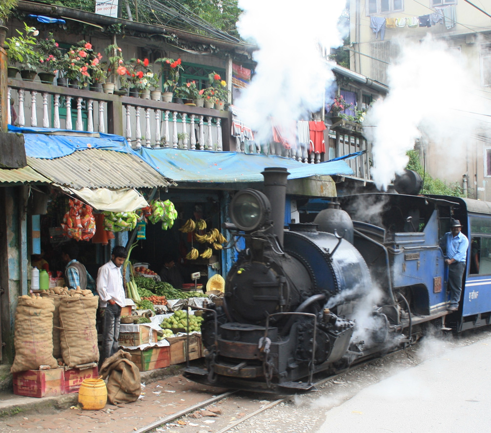 In pictures: Lesser-known UNESCO World Heritage sites in India DARJEELLING TOY TRAIN BHIMBETKA VICTORIA TERMINUS 30 STADES