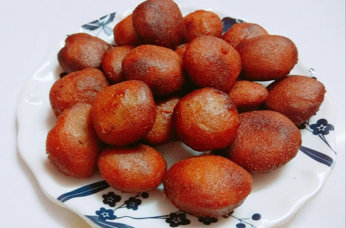 Arsa- sweet made using rice flour and jaggery. Pic: Flickr 30 stades