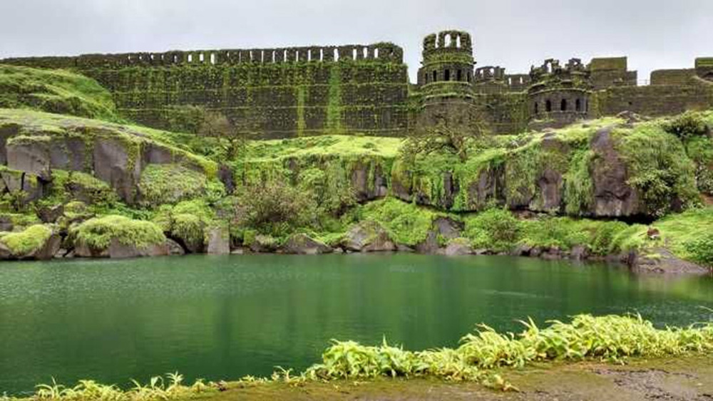 Delhi water crisis: 5 historic forts from which India's capital can learn water harvesting & conservation rajgadh, gingee fort, nahargarh fort, golconda fort mandu fort 30 stades