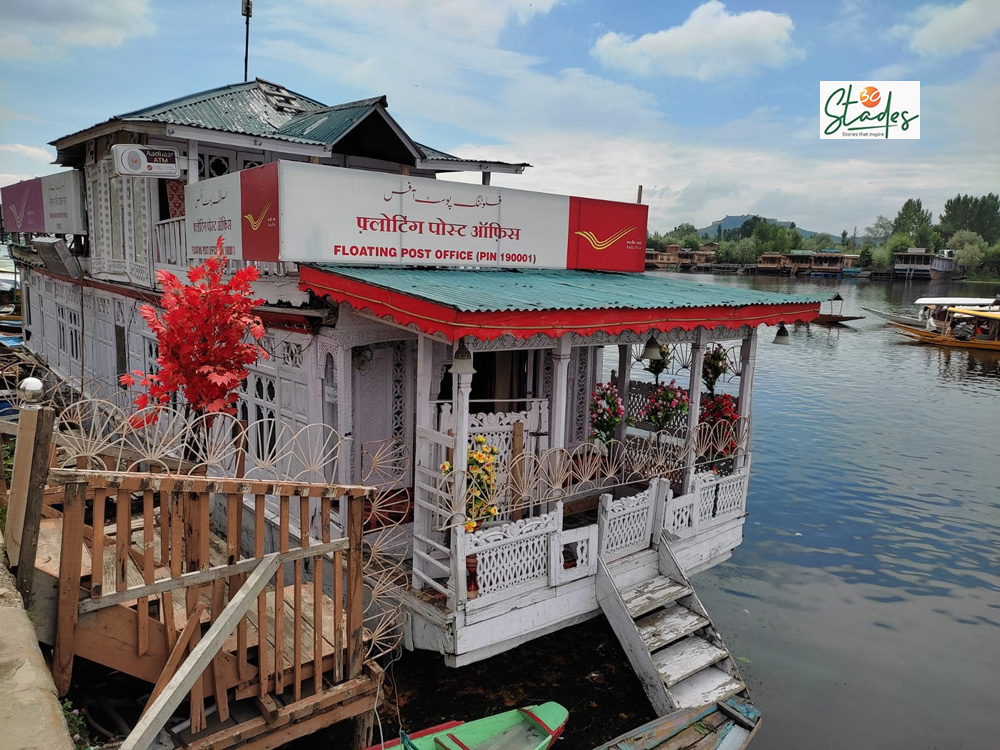 World's only Floating Post Office on Dal Lake continues to go strong even after 200 years 30stades srinagar kashmir
