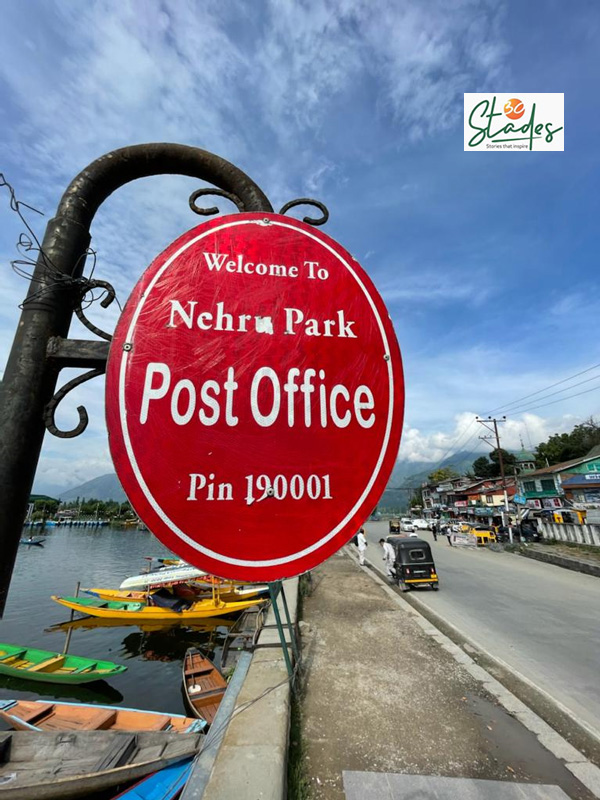 It was called Nehru Park Post Office till 2011 when the then chief postmaster John Samuel renamed it as the 'Floating Post Office'. Pic: Parsa Mahjoob