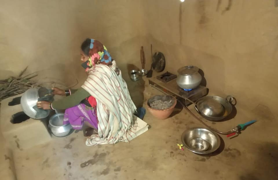 So far, 650 families in rural Bihar have benefitted from biogas & bioelectricity. Pic: Swayambhu