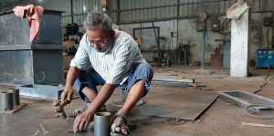 Ramkrishna Dhar: Artiste who once romanced theatre on European stage now lives in penury as blacksmith life is unpredictable 30stades