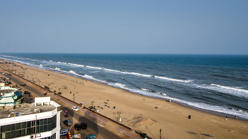 Golden beach or Puri beach beach is the site of the annual Puri Beach Festival and also home to many sand works, including that of award-winning artist Sudarshan Pattnaik. Pic: by Sambit/Wikipedia