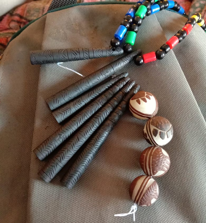 Teetar or Francolin whistles (left) and beads (right) made by Pardhis. Tourists take these as souvenirs. Pic: Facebook/@lastwildernessfoundation 30 stades