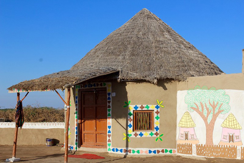 Bhungas: The 200-year-old earthquake-resistant mud houses of rann of Kutch gujarat architecture enviroment 30 stades