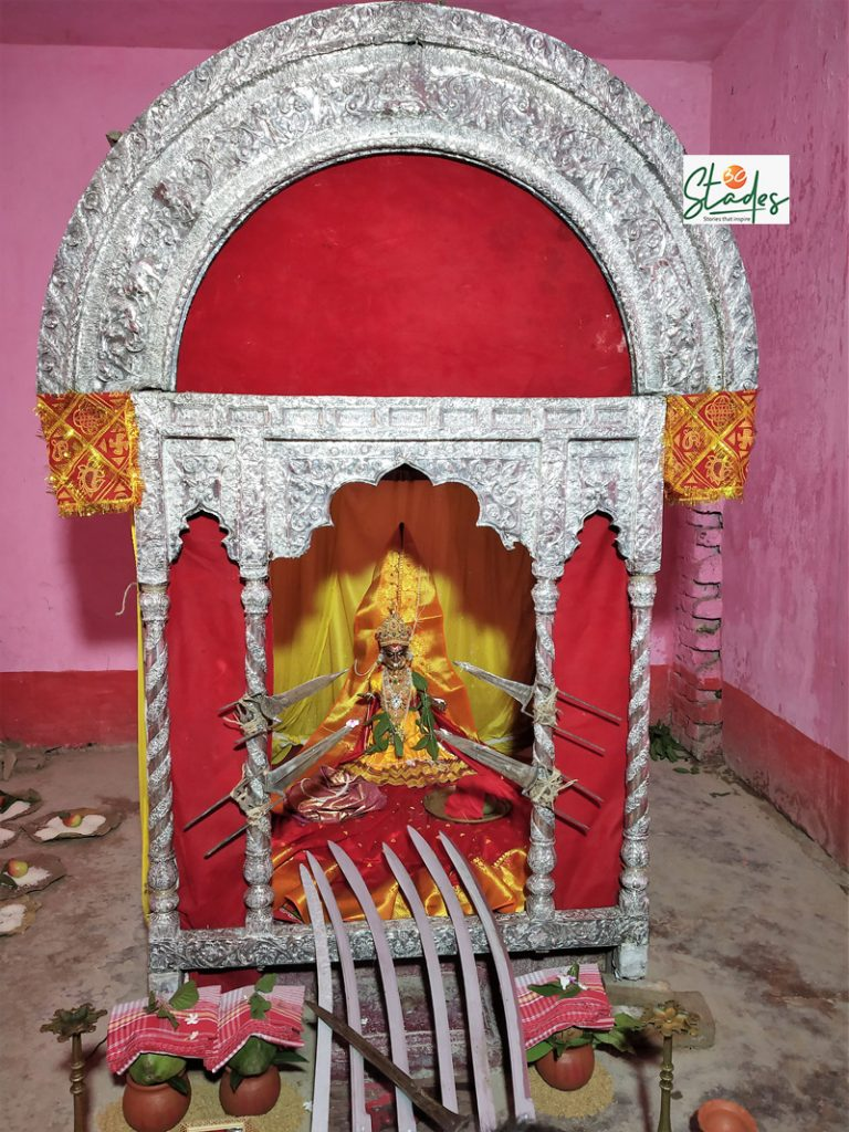 While the gold idol weighs 950gm, the silver chalchitra was made using 60kg silver. Pic: Partho Burman 30 stades
