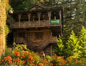 Rahul Bhushan: The Himachal architect reviving the 1000-year-old Kath Kuni architecture wooden houses himachal pradesh earthquake 30stades