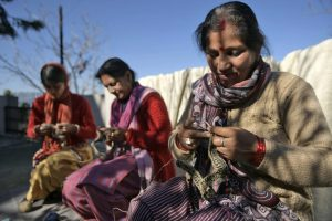 Peoli: NID grads' slow fashion brand hand spins success story with natural yarns & dyes; empowers Uttarakhand women hand knitted handmade 30stades